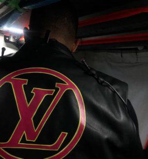 Drake-veste-louis-vuitton-noir-Virgil-abloh-back