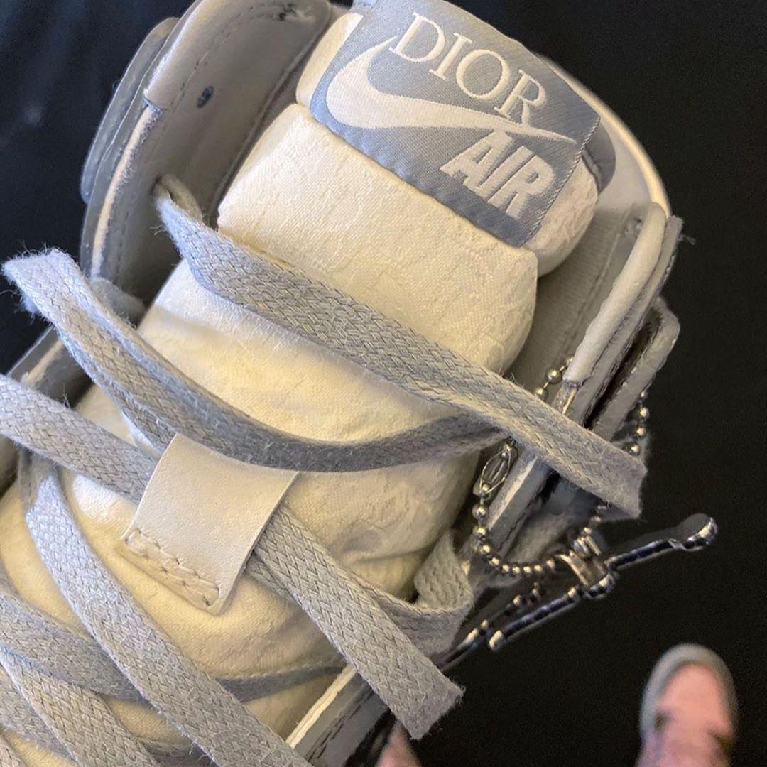 nike-dior-marque-basket-blanc-gris