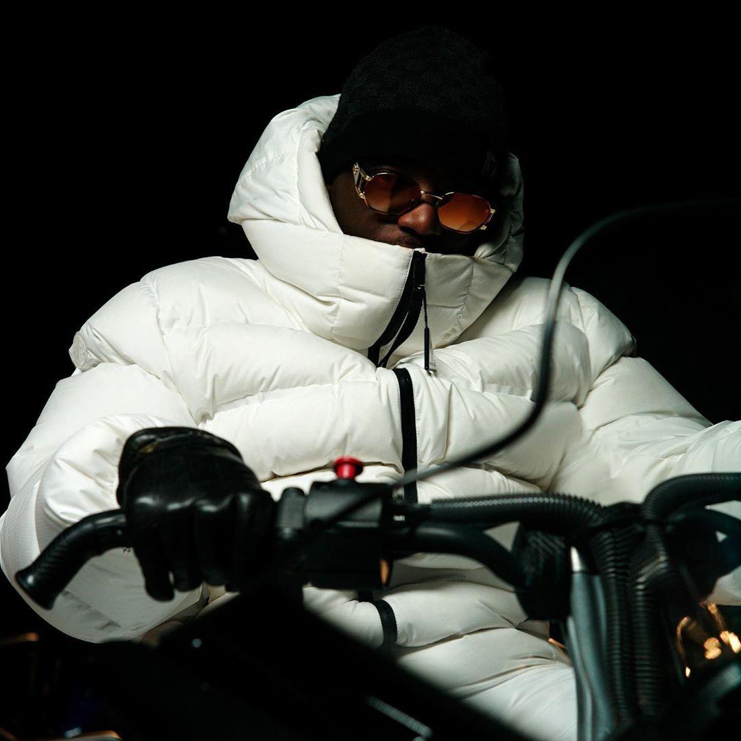 veste blanche de Ninho